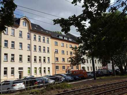 Helle 1-Raum Whg. im 3.OG, vermietet, Balkon, Küche und Bad mit Fenster