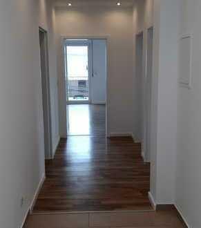 Helle, ruhige und komplett renovierte 3-Zimmer-Wohnung mit Balkon in Rodenbach