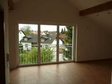 Schöne, helle DG-Wohnung, ruhige Lage, in Kösching