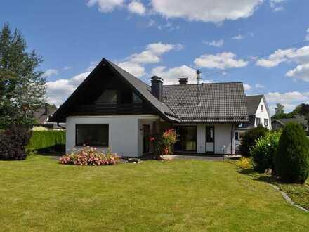 Kreuztal OT Ferndorf, sonniges, gepflegtes und geräumiges Wohnhaus in Topp Lage zu vermieten