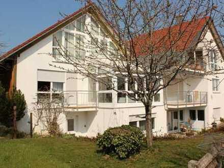 Top Mietangebot - Hauptwohnung im Architektenhaus 202 m² Wfl., Doppelgarage und EBK in ruhiger Randl
