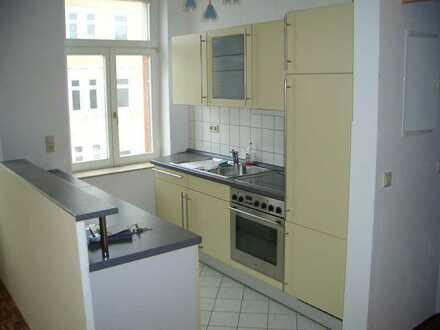 Modernisierte Wohnung mit einem Zimmer und Einbauküche in Leipzig