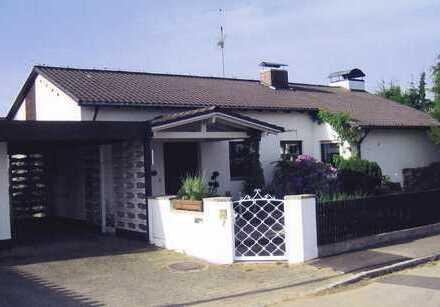 Großes Einfamilienhaus mit tollem Hanggrundstück in top Lage in Diedorf (Kreis Augsburg)