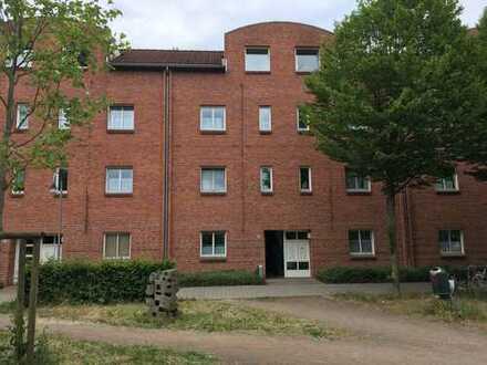 Schöne 2-Zimmer -DG Wohnung in Bremen Kattenturm, von privat