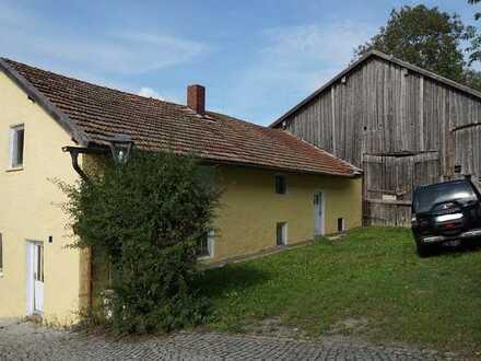 Renovierungsbedürftiges Haus mit sieben Zimmern in Eschlkam