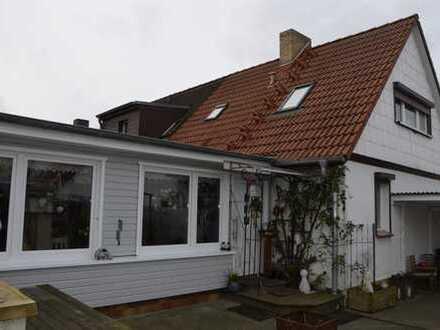 schönes saniertes Siedlungshaus (DHH) in Damgarten mit 2 Auffahrten und großem Garten
