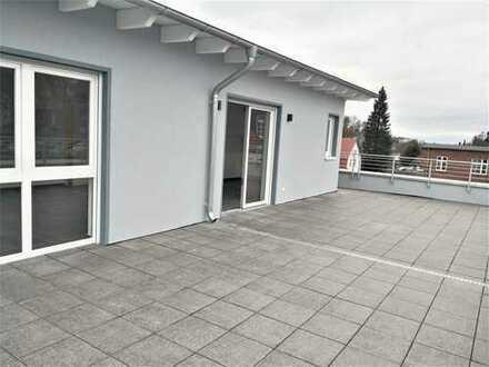 Großzügige Wohnung im Staffelgeschoss mit umliegender Dachterrasse