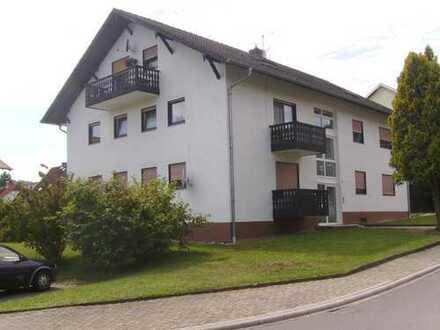 Erstbezug nach Sanierung: Freundliche 1-Zimmer-Wohnung mit EBK und Balkon in Breuberg