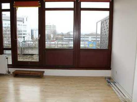 Schöne und helle 1,5-ZKB Terrassenwohnung + TG-Platz + Aufzug