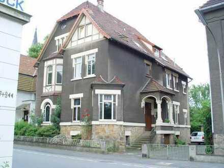 Großzüge sonnige Dachwohnung in Stadtvilla