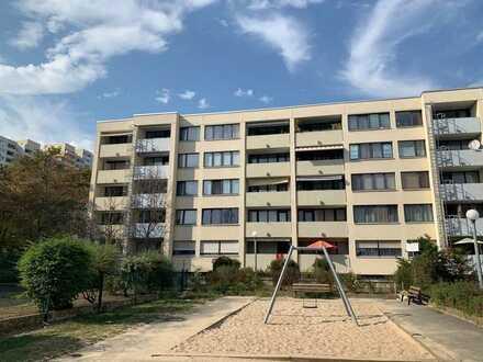 Tobias Grünert Immobilien #  helle, geräumige 2-Zimmerwohnung mit Aufzug und Balkon