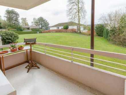 Helle Wohnung in sehr ruhiger Lager mit schönem Grundriss und Süd-West-Balkon im modernisierten Haus