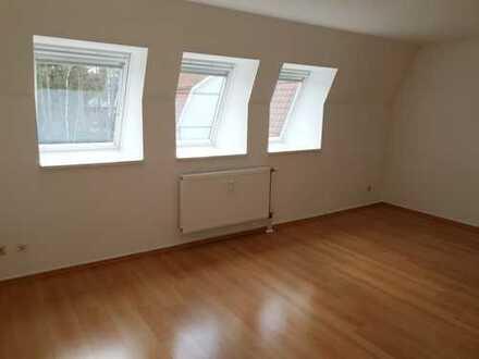 Attraktive, modernisierte 3-Zimmer-DG-Wohnung mit gehobener Innenausstattung in Borkwalde