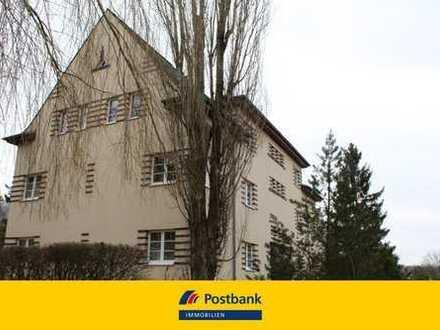 vermietete Drei-Zimmer-Wohnung mit Loggia in Plauen