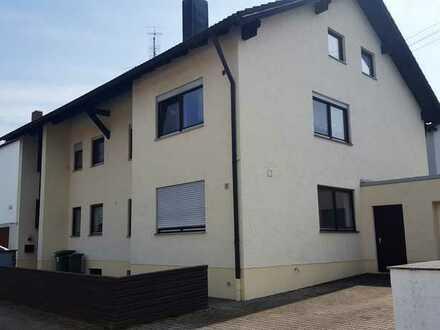 Gepflegte 4-Zimmer-DG-Wohnung mit Balkon in Wettstetten