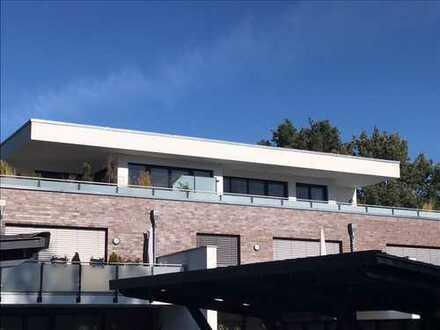 Vermietet!!! Stylische Penthouse Wohnung mit sehr großer Dachterrasse und neuer EBK und Fahrstuhl!