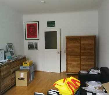 tolles Zimmer in 2er WG zentral in der Altstadt, 120 qm wohnung