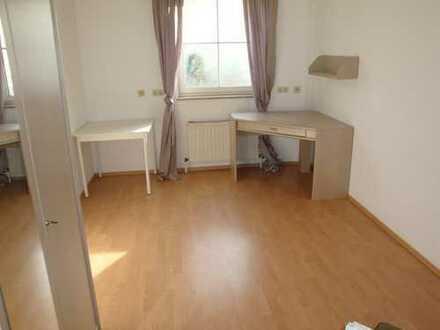 Teilmöblierte 1-Zi.-Wohnung mit Kleinküche, Wfl. ca. 18 m²
