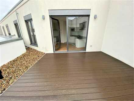 Moderne Dachgeschosswohnung - 2 Zimmer nahe der Spree mit Terrasse und Klimaanlage