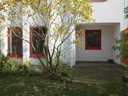 Fast ein Reihenhaus**Großzügige ETW mit 2 Etagen und Garten in Kranichstein