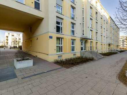 Luxuriöse, großzügige 3 Zi. Wohnung mit Dachterrasse, Balkon, nähe Schlosspark Nymphenburg