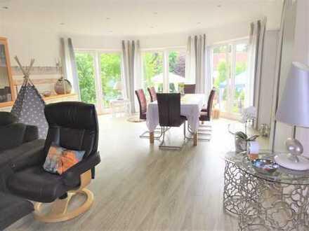 Schönes gepflegtes Haus mit fünf Zimmern, Wintergarten und Fotovoltaik