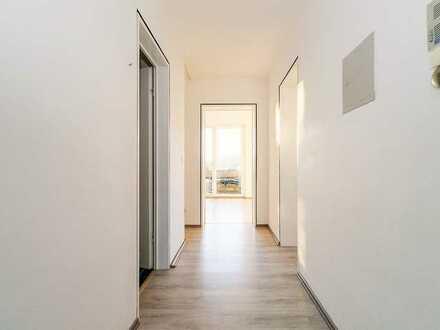Hübsche, sanierte 2-Zimmer-Wohnung mit Balkon