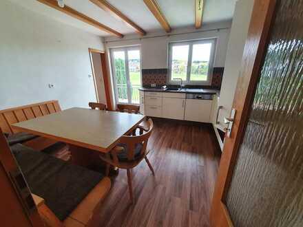 Gepflegte Wohnung mit vier Zimmern sowie Balkon und Einbauküche in Lossburg
