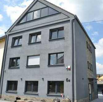 Erstbezug nach Sanierung 1 Zimmer im Dachgeschoss
