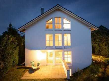 Ammerland - Sonniges Wohlfühlhaus mit hoher Privatsphäre und herrlichem Garten