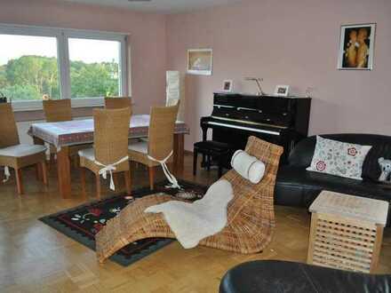 WG Zimmer in schöner 4 Zimmerwohnung in Schweinheim zu vermieten