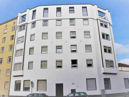 Erstbezug nach Sanierung: Helle Wohnung mit Einbauküche - auch WG-Geeignet