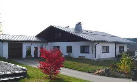 Kirchberg + 55 km - Großes Einfamilienhaus in ruhigem Wohngebiet