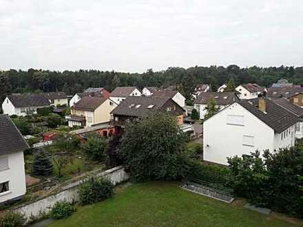 Wörth am Rhein: Schöne geräumige 3 ZKB Penthouse-Wohnung