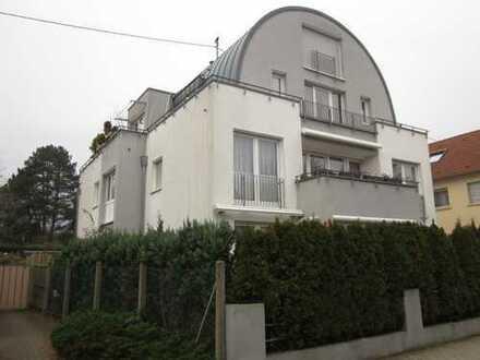 Neureut- Heide - Lichtdurchflutete, neuwertige 3-Zimmer-Wohnung in bester Lage mit Balkon und EBK