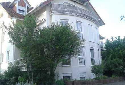 Gepflegte 3-Zimmer-Wohnung mit Balkon und Einbauküche in Gambach