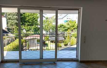 Renovierte 5-Zi-Komfort-Wohnung inkl. Balkon, Einbauküche und mediteranem Flair