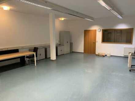 Büroräume mit Lagerraum oder Gemeinschaftsraum