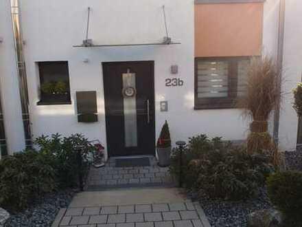 *Traumlage* Moderne Doppelhaushälfte in Stuttgart-Weilimdorf