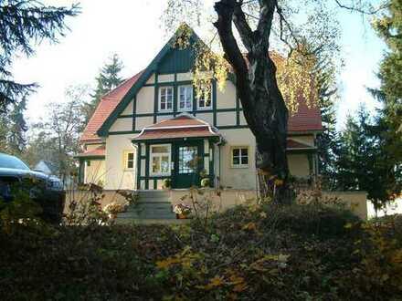 Elegante Villa mit viel Platz und Charme zum Leben