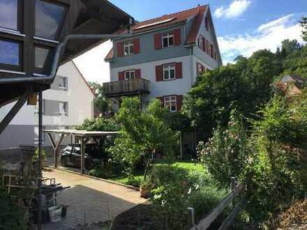 Fachwerkhaus (165 m², 8 Zi) mit teilrestaurierter Fachwerkzimmerei (170m²)