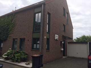 1.500 €, 122 m², 5 Zimmer