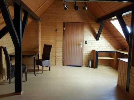 1-Zimmer in einer 4er Wohngemeinschaft 200m2