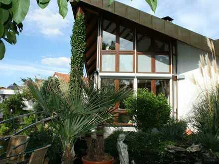 Architektenhaus in sonniger ruhiger Wohlfühloase mit Schwimmteich und vielen Extras,