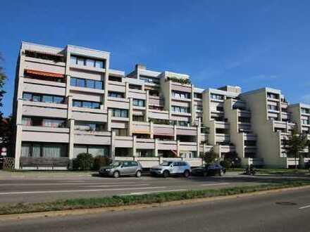 Top-Sanierte 2-Zimmer-Wohnung mit Balkon in zentrumsnaher Lage