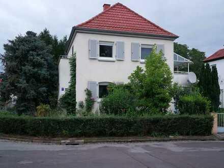 Sehr schönes und saniertes 4-Zimmer-Einfamilienhaus zur Miete in Pfiffligheim, Worms