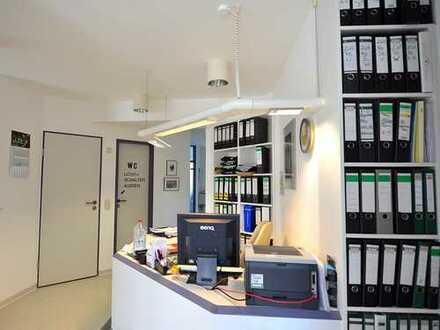 Zentrale Praxisräume in renommiertem Ulmer Ärztehaus