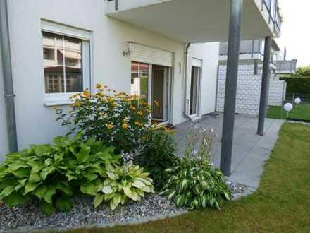 Helle, schöne, renovierte 3-Zimmer-EG-Wohnung mit EBK, Terrasse und Garten in Oberhaunstadt