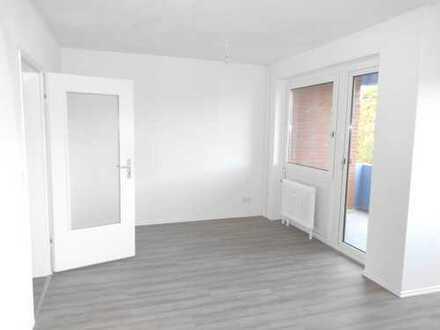 **Ihre Suche war erfolgreich ! Frisch sanierte 3 - Zimmerwohnung mit renovierten Balkon !**