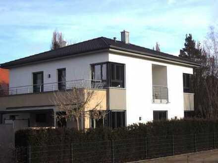 1 6 7 qm offen geplante und neuwertige Villa im BAUHAUSSTIL mit 2 Bäder und Doppelgarage